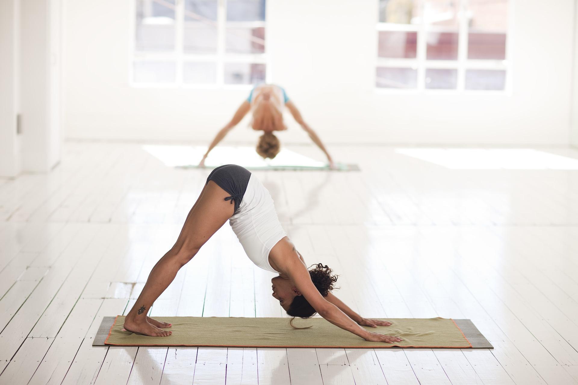 joga pomaga obnizyć wysokie ciśnienie i odmładza